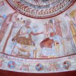 Kazanlak – Bulgaria (mormântul Regele Seuthes III) - Simbolul Trifoiului cu patru foi (Floarea scut) cu patru petale aici colorate în roșu, galben și albastru, precum tricolorul nostru actual